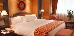 El dormitorio, el Feng Shui, y el espacio para la pareja