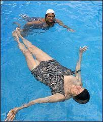 Cómo hacer ejercicios en la piscina