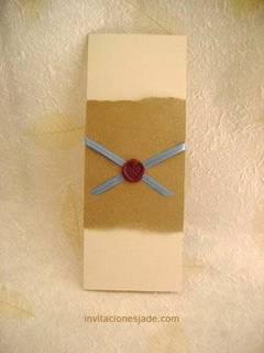 Invitación de boda con listón azul