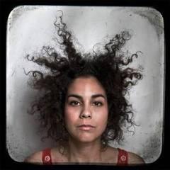 Tratamientos naturales para el cabello rebelde